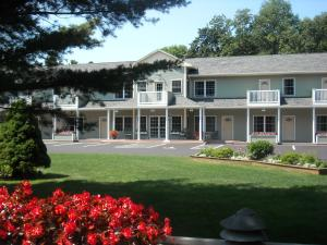Photo of Cromwell Harbor Motel