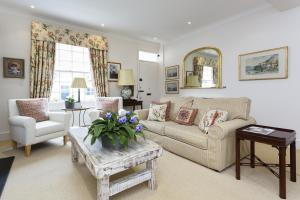 Photo of Four Bedroom House In Notting Hill