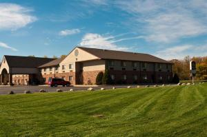 Photo of Best Western Kendallville Inn