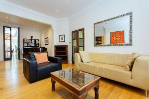 Four Bedroom House In Chiswick
