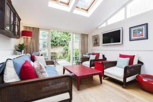 Three Bedroom House in Fulham in London, Greater London, England