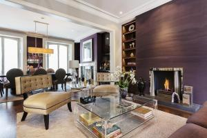 Four Bedroom House in Kensington in London, Greater London, England