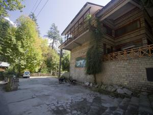 Photo of Oyo Premium Circuit House Road Manali