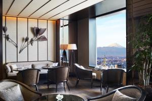Suite Club Carlton com Acesso Club Lounge