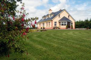 Photo of Adonis Holiday Home At Kilmaddaroe