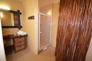 Luxury King Suite with Shower