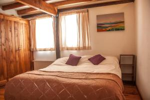 Superior Double Room with shared Bathroom and Mountain Views