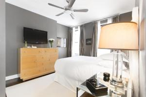 Two-Bedroom Apartment - Collays Place