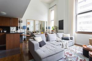 Three-Bedroom Apartment- Stuyvesant Square II