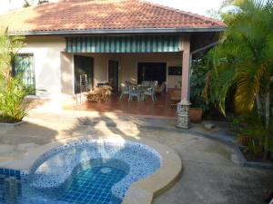 Photo of Rayong Pool Bungalow