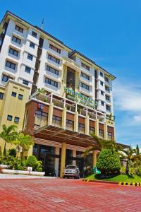 Photo of The Pinnacle Hotel And Suites