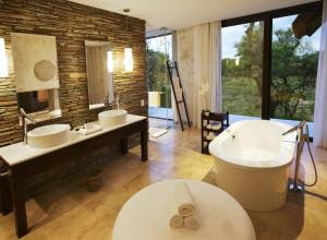 Luxury Suite with Private Pool