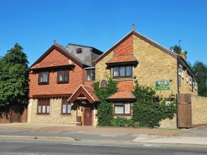 Photo of Oakwood Bed And Breakfast Heathrow