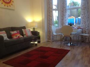 Zone 2 Apartments in London, Greater London, England