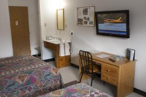 Queen Room - Private Entrance Pet Friendly