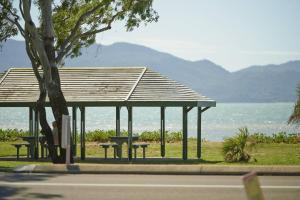 Photo of Rowes Bay Beachfront Holiday Park
