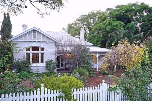 Photo of Durack House Bed And Breakfast