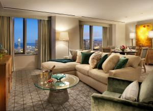 Suite with Terrace and City View