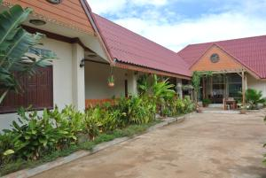 Photo of Airport Resort