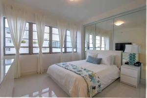 Presidential Junior Suite Apartment with Ocean View