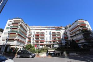 Photo of Appartements Cannes Centre : Rond Point Duboys D'angers