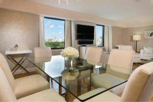 Luxurious Central Park South 2 Bedroom Apartment