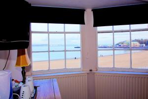 Rooms @The Nook Cocktail Bar, Fogadók  Weymouth - big - 25