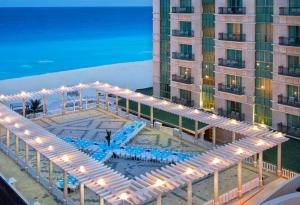 Sandos Cancun Luxury Resort - 10 of 41