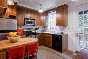 Three-Bedroom Apartment - West 20th Townhouse