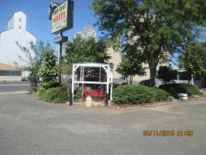 Photo of Top Hat Motel