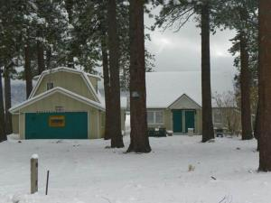 Photo of Lakeside Cabin 10
