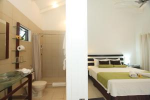 Double Room with Two Single Beds with Pool View - Non-Smoking