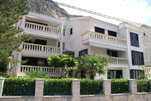 Apartments Radulovic: hotels Kotor - Pensionhotel - Hotels