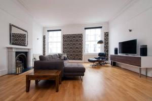 Queens Circus Executive Apartment in Cheltenham, Gloucestershire, England