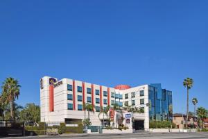 Photo of Best Western Plus Suites Hotel   Lax