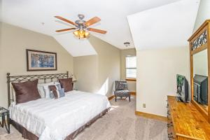 Three-Bedroom Apartment - Hillcrest Unit