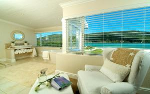 Deluxe Suite with Lagoon View