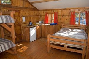 Family Cabin - Campers Cabin (4 Sleeper