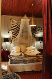 Luxury King or Twin Room with Shower