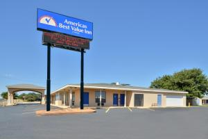 """Americas Best Value Inn Lubbock East"""