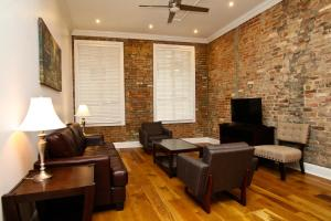 Photo of Downtown Luxury Suite 201