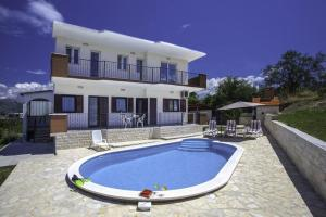 Photo of Four Bedroom Holiday Home In Split