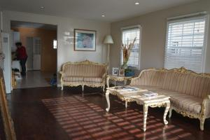 Photo of Venice Beach Bungalow 4 Bd/3 Ba