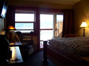 King Room with Lake View