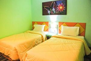 Photo of Holiday Hotel Lob Buri