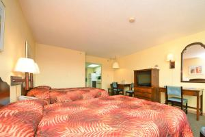 1 Bedroom Boulevard View Efficiency with 2 Double Beds - D