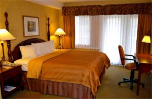 Photo of Best Western Plus   River Escape Inn And Suites