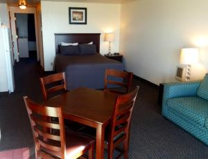 Family Suite with Ocean View - Non-Pet