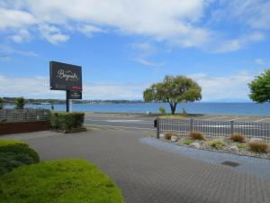 Photo of Baywater Lakeview Motel