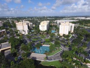 Photo of Luxury Condo At Wyndham Palm Aire